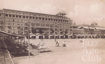 A view of the beach front of the Hotel Excelsior, at the Lido Venice, 1920s
