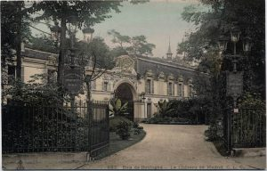 The exterior of the Chateau de Madrid, 1920s