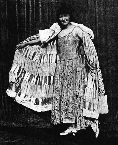 Annie Croft in wearing a Peron creation in Brighter London (1923)