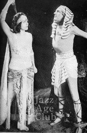 Betty Blythe and Carlyle Blackwell in a scene from She (1926)
