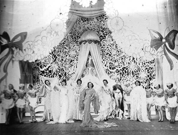 The scene 'Good Night' in the cabaret show Folies D'Amour, New York (1936) and London (1937)