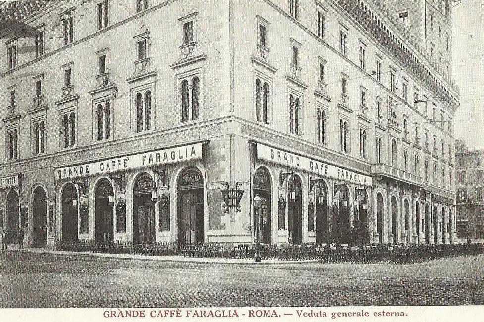 The exterior of Caffe Faraglia, Rome